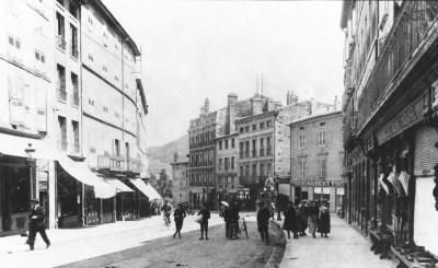 le-puy-boulevard-saint-louis-mini.jpg